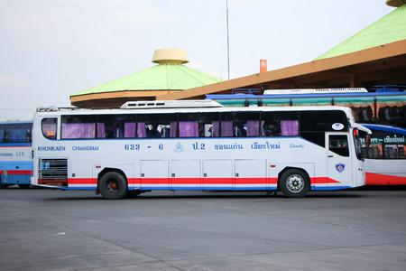 チェンマイ、タイ-2013 年 4 月 17 日: Esarn 旅行会社バス no.633 6 ルート コンケン、チェンマイ。タイ ・ チェンマイのバスターミナルでの写真。