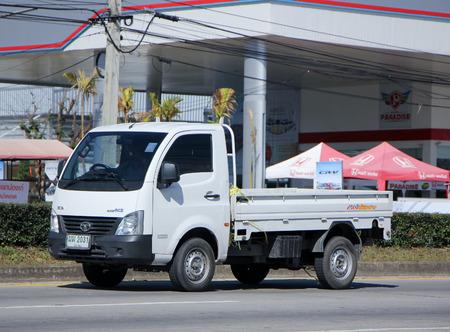Chiang Mai, Thajsko - 11. ledna roku 2015: Private Tata Město Giant Mini náklaďák. Foto na silnici 1001 asi 8 km od centra města, Thajsko. Redakční