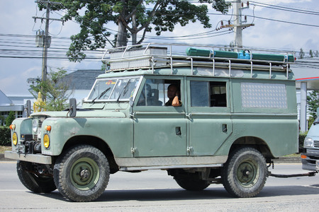 8 12: CHIANGMAI, THAILAND -NOVEMBER 12 2015: Old Private car. Land Rover Truck. Photo at road no.121 about 8 km from downtown Chiangmai, thailand.