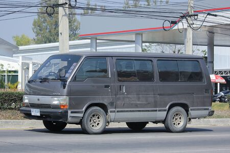 CHIANGMAI, THAILAND -FEBRUARY 8 2016:   Private Toyota Hiace old Van Car.  On road no.1001, 8 km from Chiangmai city. Éditoriale