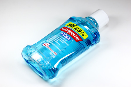 enjuague bucal: CHIANGMAI, THAILAND -JULY 22 2016:  Product shot of Colgate Plax  Mouthwash. In thailand sale and made from Colgate Palmolive  Thailand.