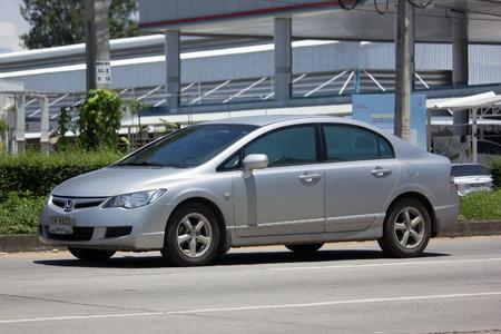 CHIANG MAI, THAILAND - JULY 27 2017 : 혼다 자동차, 8 세대 혼다 시빅에서 개인 세단 차. 도로 no.1001 치앙마이 비즈니스 지역에서 8km.