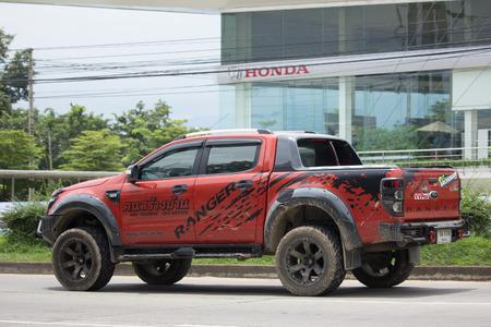 CHIANG MAI, THAILAND - 29. AUGUST 2017: Privates Aufnahmenauto, Ford Ranger. Auf der Straße Nr. 2001, 8 km von Chiangmai entfernt.