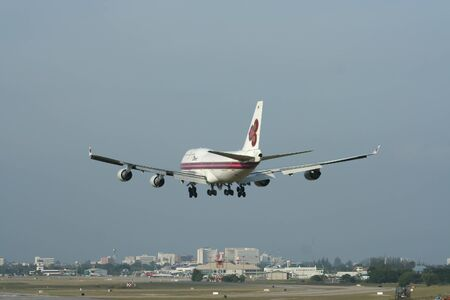 747 400: CHIANGMAI, THAILANDIA - CIRCA 2007: HS-TGH Boeing 747-400 di Thaiairway. Per l'aeroporto di Chiangmai volo e Bangkok Suvarnabhumi, Thailandia. Editoriali