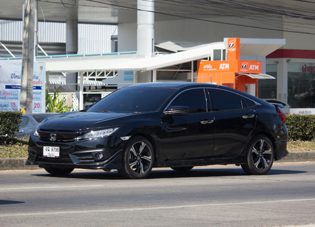 CHIANG MAI, THAILAND -DECEMBER 12 2017: Private Sedan Car from Honda Automobil,Tenth generation Honda Civic. On road no.1001 8 km from Chiangmai Business Area. 에디토리얼