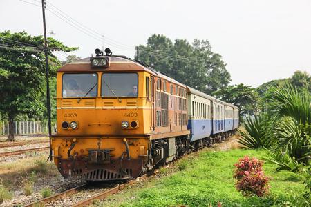 Chiangmai, Thailand - October 10 2012:  Alsthom locomotive no.4403 for train no.51 from Bangkok to Chiangmai. Zdjęcie Seryjne - 122443655