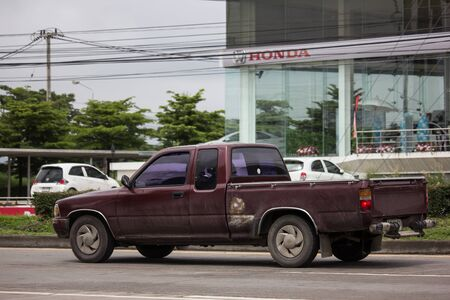 Chiangmai, Thailand - August 16 2019: Private old Pickup car, Toyota Hilux Mighty X. On road no.1001, 8 km from Chiangmai city. 新聞圖片