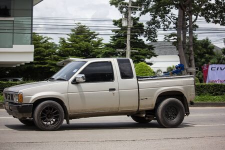 Chiangmai, Thailand - August 29 2019: Private Pickup car, Nissan Big M Modify to Dump Truck. On road no.1001, 8 km from Chiangmai Business Area. 新聞圖片