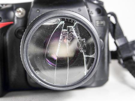 shocks: A DSLR camera Filter shocks to can be damaged shattered.