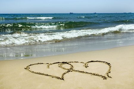 heart on the sand: hearts in the sand
