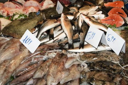 sale of seafood and fish in a market Stock Photo - 6108386