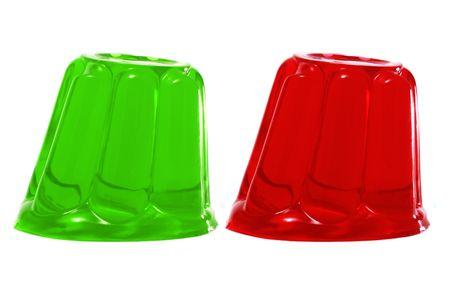 gelatina:  gelatina de rojo y verde sobre un fondo blanco
