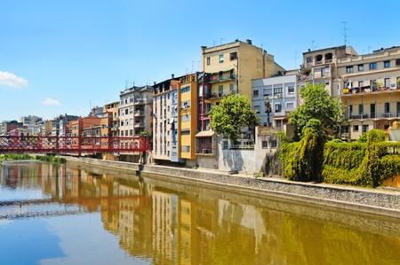 overt: Houses overt Onyar river in Girona, Spain Stock Photo