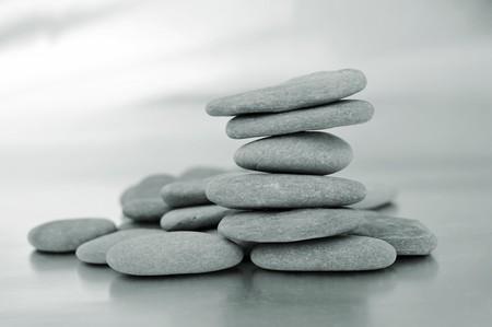 zen steine: Closeup eines Haufens von Zen-Steinen  Lizenzfreie Bilder
