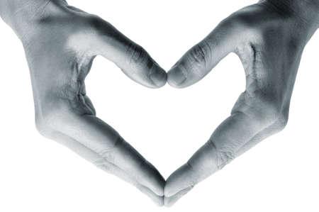 te negro: hombre manos formando un coraz�n sobre un fondo blanco