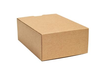 boite carton: une bo�te en carton sur un fond blanc Banque d'images