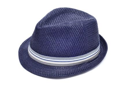 insolaci�n: un sombrero de paja azul sobre un fondo blanco