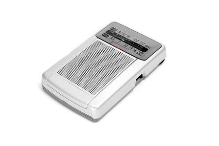 transistor: una radio de transistores en un fondo blanco