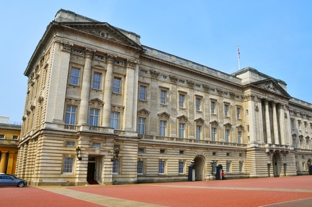 London, United Kingdom - May 6, 2011: Buckingham Palace main facade in London, UK. In this place, every morning at 11.30, takes place the famous changing guard. Stock Photo - 9556211