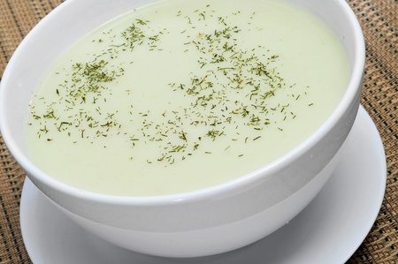 a bowl of vichyssoise: pureed leeks, onions and potatoes Stock Photo