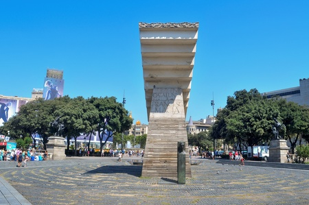 francesc: Barcelona, Spain - August 16, 2011: Francesc Macia Monument in Plaza Cataluna in Barcelona, Spain. The monument in honor of president dominates the square, that is considered to be the city centre Editorial