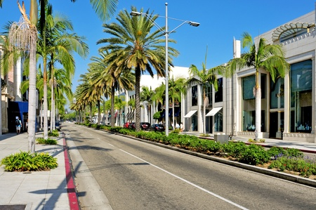 Beverlly Hills, US -  October 16, 2011: Rodeo Drive in Beverly Hills, US. There are more than 100 world-reknowed boutiques in this area Stock Photo - 11175296