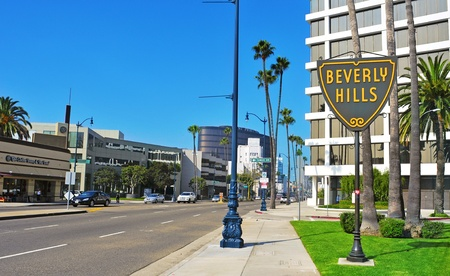 Beverly Hills - October 16, 2011: A Beverlly Hills sign in Wilshire Boulevard in Beverly Hills, US. The affluent city has a population of 34,109 at the 2010 census Stock Photo - 11229930
