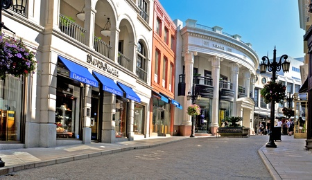 angeles: Beverly Hills, USA - October 16, 2011: Two Rodeo in Rodeo Drive in Beverly Hills, USA. There are more than 100 world-renowned boutiques in this area Editorial