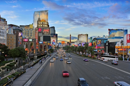 las vegas: Las Vegas, US - October 11, 2011: Las Vegas Strip at sunset in Las Vegas, US. 19 of the 25 largest hotels of the world are on the Strip Editorial