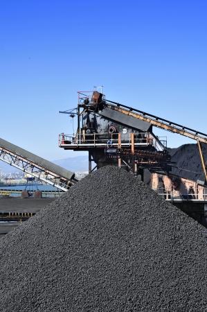 carbone: primo piano delle strutture di un settore del carbone