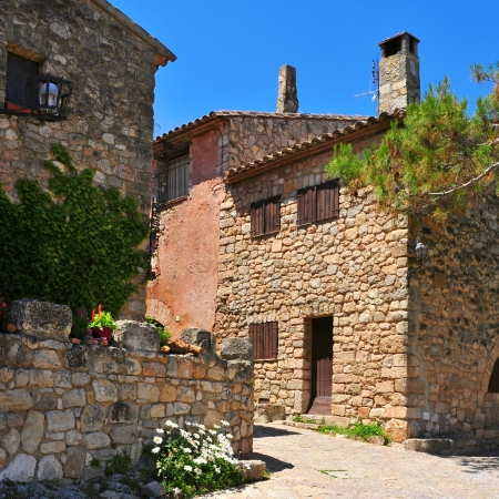 spanish house: a view of an old street in Siurana de Prades, Spain