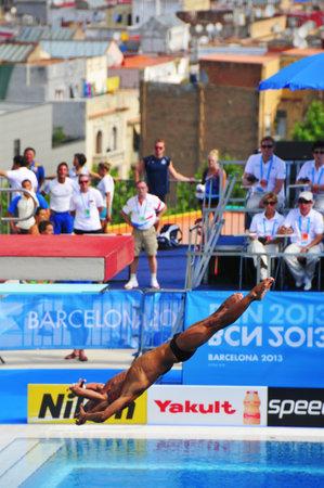 natation: Barcelona, ??Espa�a - 21 de julio: los hombres 10 m sincronizado ronda preliminar en el 2013 Campeonato Mundial de Nataci�n en Barcelona, ??Espa�a. La Piscina Municipal de Montjuic celebr� las pruebas de saltos