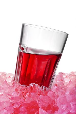 ice crushed: glas met Spaanse tinto de verano op gemalen ijs