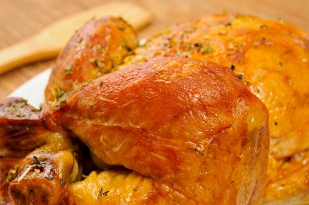 pollo rostizado: Primer plano de un pavo asado apetitoso Foto de archivo