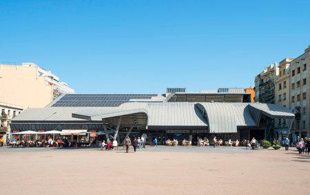 BARCELONA, SPAIN - APRIL 27, 2018: A view of the facade of the Mercat de la Barceloneta public market, at Placa del Poeta Bosca square in Barcelona, Spain Redakční
