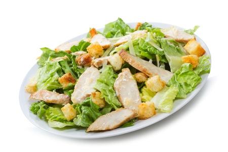 salad plate: Insalata Caesar su sfondo bianco