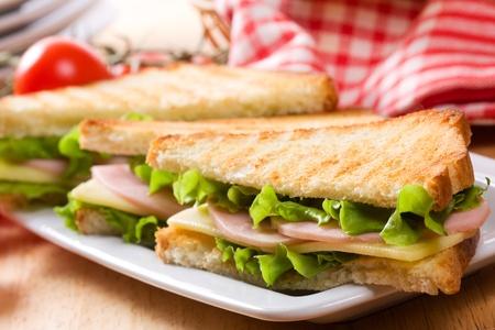 Sandwiches con tocino y verduras Foto de archivo - 9574595