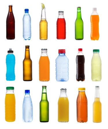 botella de plastico: establecido con diferentes botellas en el fondo blanco