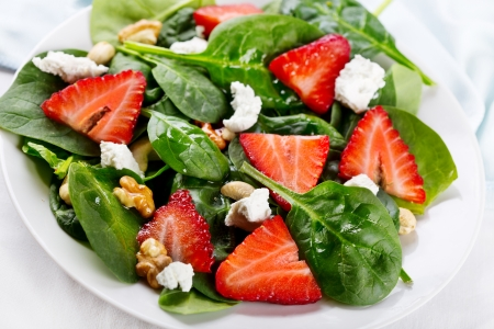 salad with strawberry, spinach leaves and feta cheese Stock Photo - 18032463