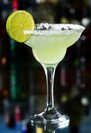 coctel margarita: Margarita c?ctel con lim?n Foto de archivo