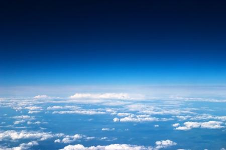 Lucht en de wolken achtergrond Stockfoto