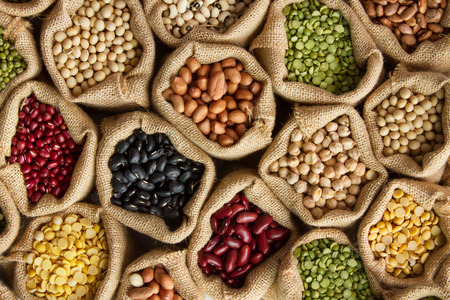 콩과 식물 자루, 톱 볼 콩 시드 스톡 콘텐츠 - 73565145