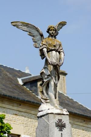 angel de la independencia: Escultura de �ngel, Francia Foto de archivo