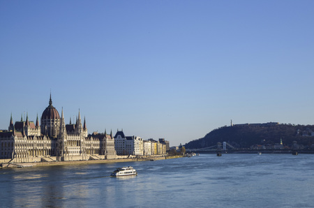 attractiveness: Parliament and mountain building by the river