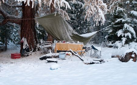 unexpected: Unexpected first snow at the tourist camp in the morning