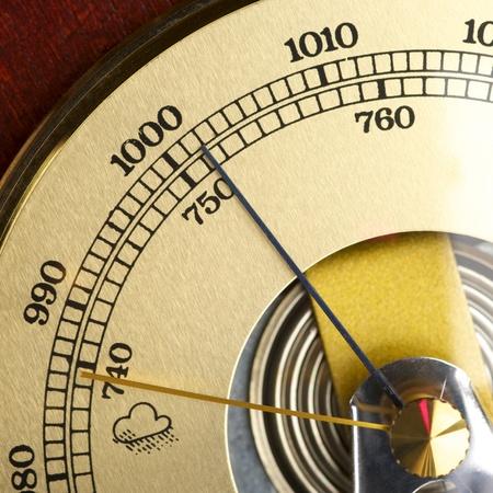 pluviometro: Bar�metro antiguo pron�sticos de tiempo tormentoso
