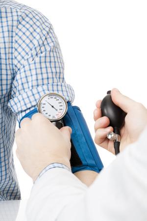 血圧測定ツールです。医師が患者の血圧 - スタジオ撮影測定