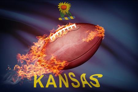 college footbal: Pelota de f�tbol americano con la bandera en serie apaisada - Kansas