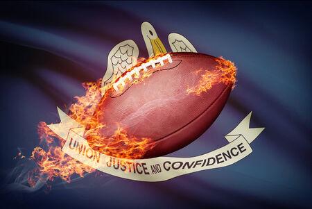 college footbal: Pelota de f�tbol americano con la bandera en serie apaisada - Louisiana