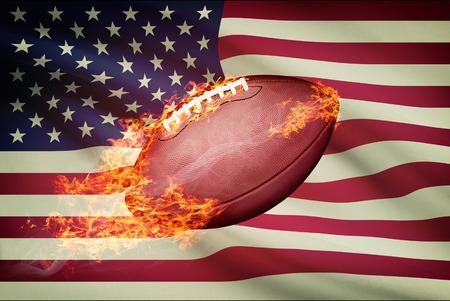 college footbal: Pelota de f�tbol americano con la bandera en serie apaisada - EE.UU.